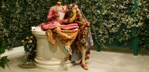 Fig.3 Yinka Shonibare's Jardin d'amour [Garden of Love] (2007)