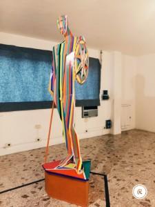 Nik Spatari, L'Eroe del Sagra, scultura in legno dipinto, 2015.