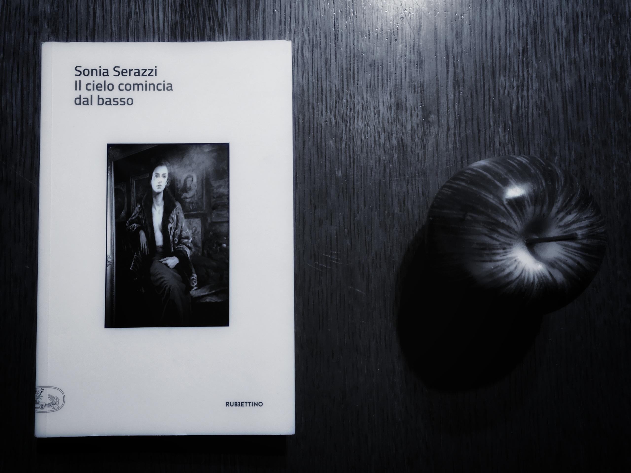 """Il cielo comincia dal basso: il profumo della vita """"normale"""" nel libro di Sonia Serazzi"""