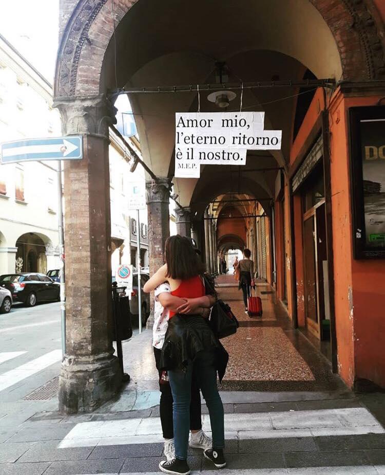 """Bologna, ritorna """"Muri di versi"""" la social street più famosa d'Italia"""