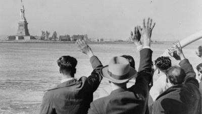 """In viaggio per """"Ellis Island"""" con Georges Perec, fra erranza e speranza"""