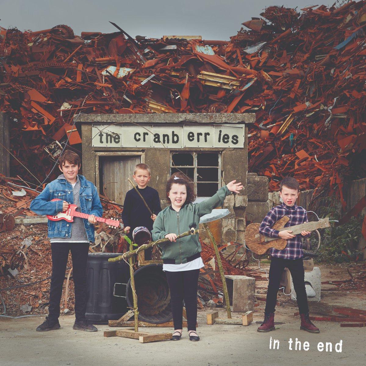 """A un anno dalla scomparsa di Dolores O'Riordan """"In the end"""" ultimo album dei Cranberries che sancisce la fine della band"""