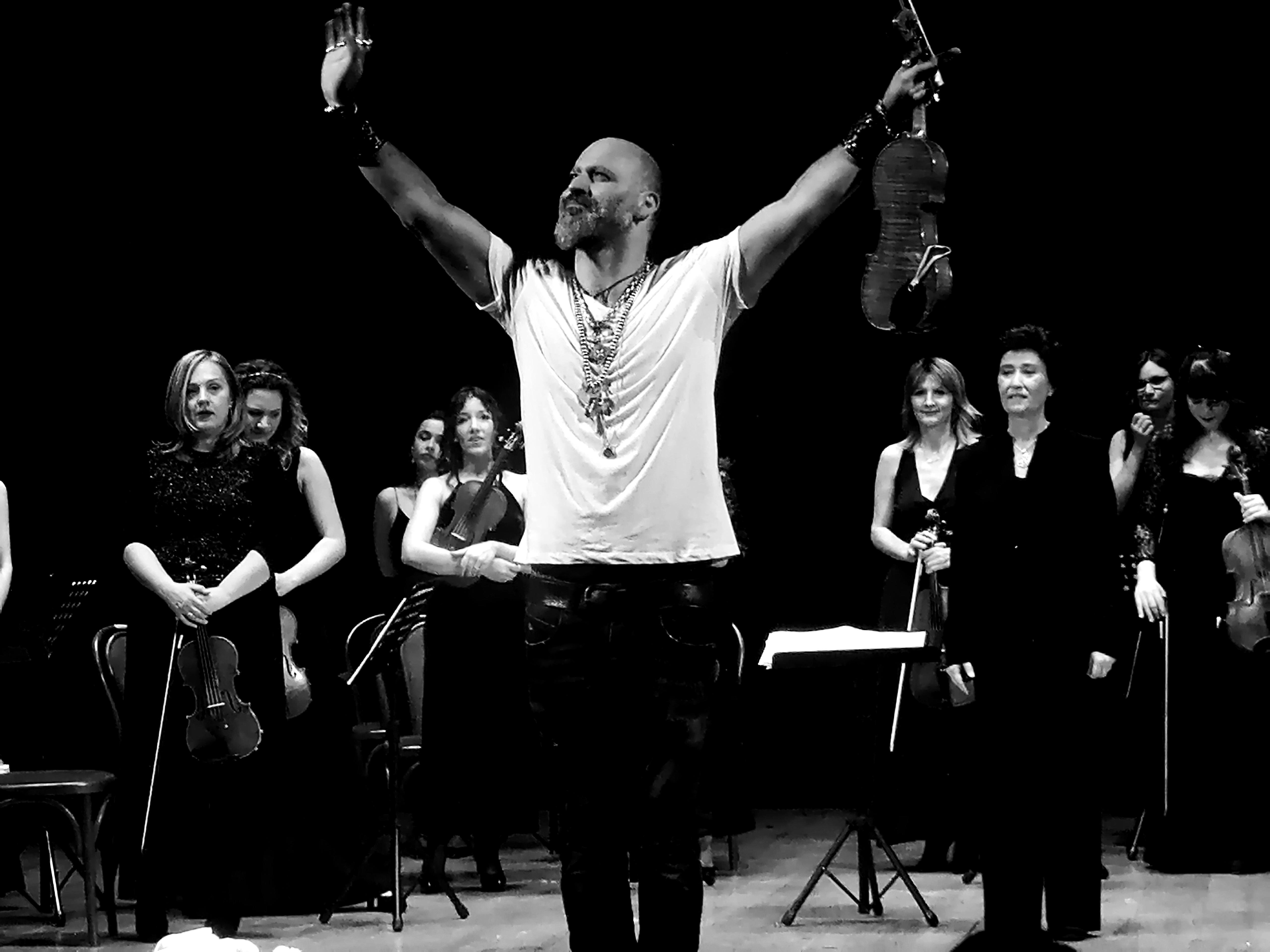 Astor Piazzolla rivive a Lamezia con Alessandro Quarta e l'Orchestra Femminile del Mediterraneo