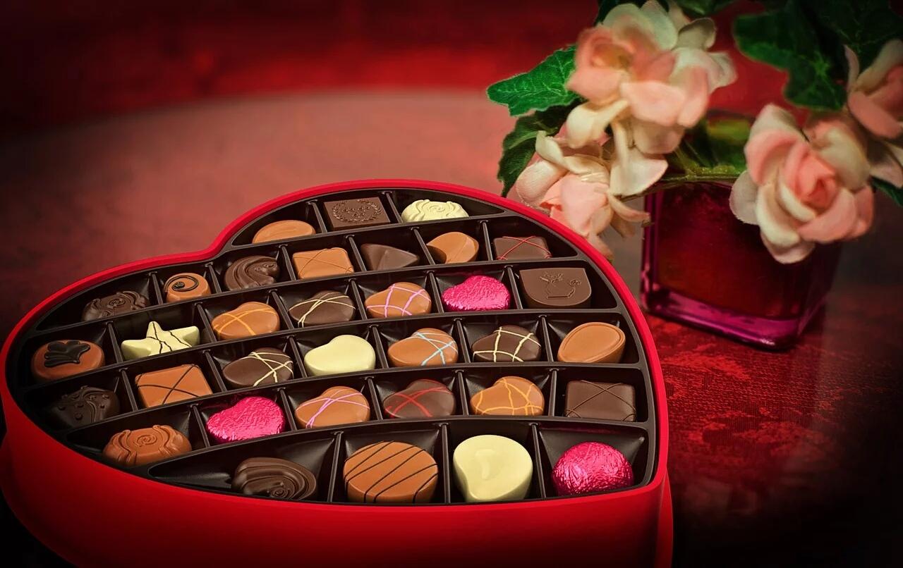 La Storia di San Valentino: Da Festa degli innamorati a festa del consumismo capitalista